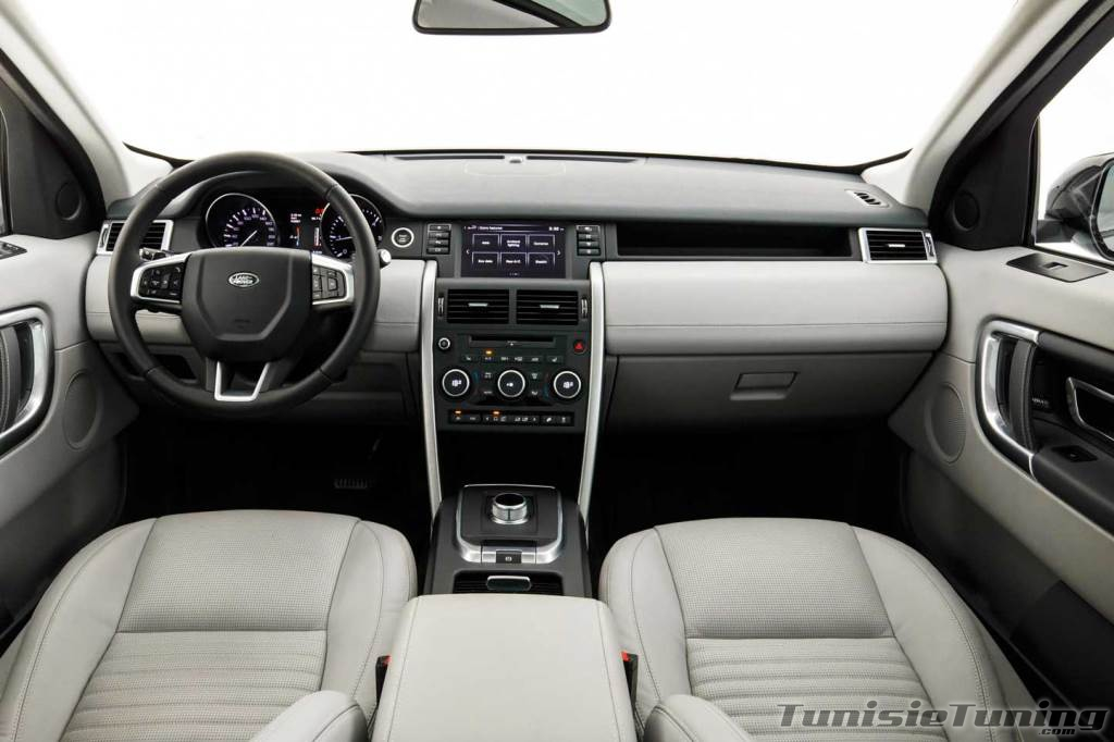 Le nouveau land rover discovery sport autos for Interieur sport wilkinson
