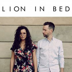 Lion in bed-Lion in bed